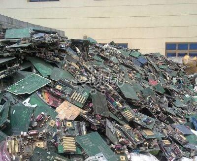 17 بازیافت زباله های الکترونیکی